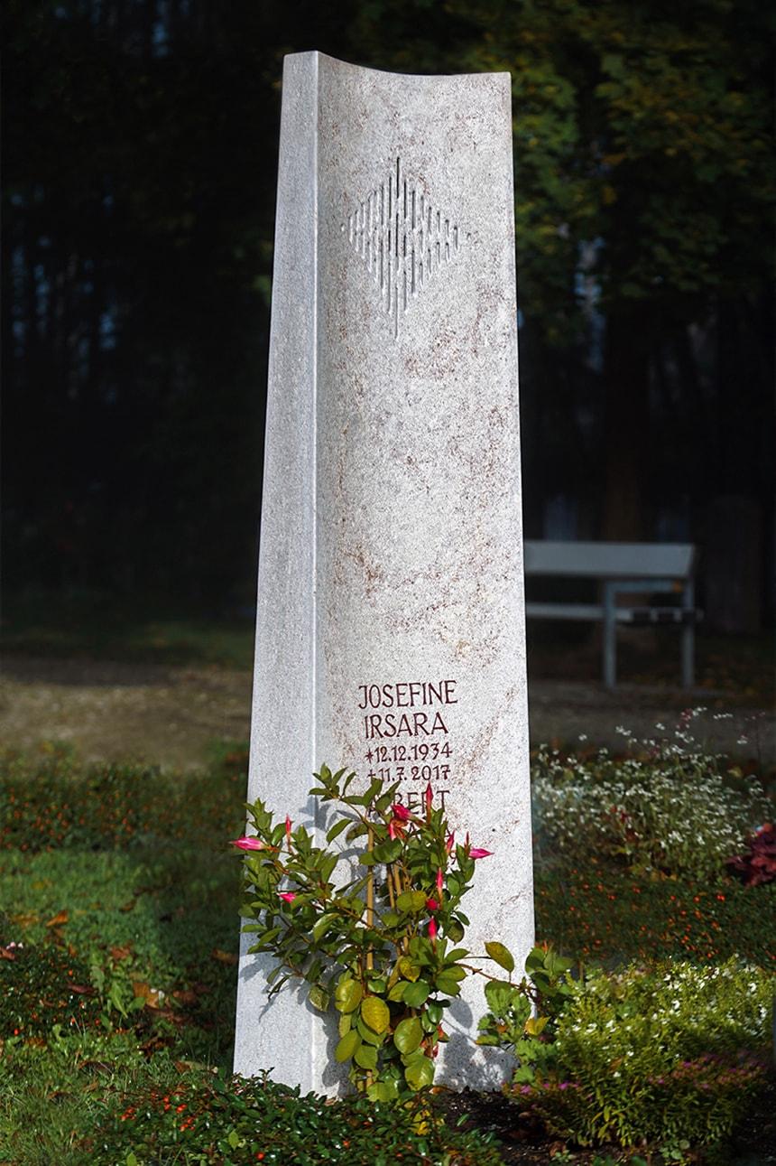 Stele aus hellem Kalkstein Rosso Rosso
